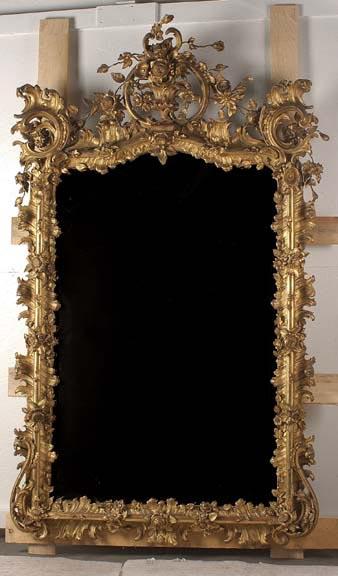 18th century Louis XV Giltwood Mirror